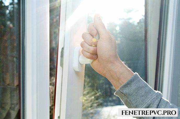 fenêtre main
